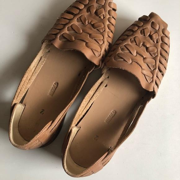 0a3d9a230284 Nisolo Ecuador Huarache Sandal in Almond. M 5a73706f84b5cec0d9b63d1b